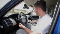 Антон Воротников Битвы внедорожников Битвы внедорожников - Range Rover Sport SVR и Land Cruiser 105 в песке.