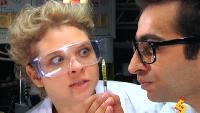 Даёшь молодёжь! Учёные – Роберт и Анна Прививка