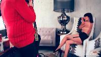 Девушки Maxim Сезон-1 Актриса Женя Брик - та самая девушка, которая голой сидит на лавке в сериале «Оттепель»