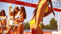 Девушки Maxim Сезон-1 Девушки, синяки и песок: чемпионат по бикини-волейболу MAXIM