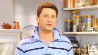 Ешь и худей! Сезон 1 Выпуск 52. Легкий салат с козьим сыром, грушей и грецкими орехами.