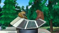 Медведи-соседи 1 сезон 32 серия. Зачем нужен погрузчик?